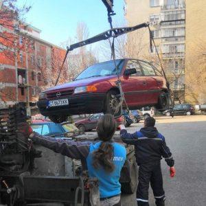 4 автомобила, излезли от употреба, бяха принудително премахнати от паркинги и междублокови пространства в Стара Загора