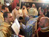 8-годишно момче бе подстригано за иподякон от митрополит Киприан. Богоявленския кръст извади Мирослав Тачев