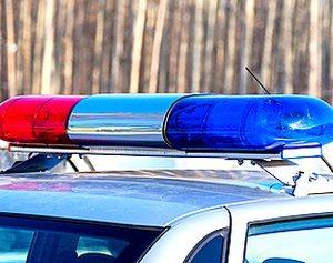 Задържаха 29-годишна, откраднала пари, документи и телефон от 42-годишен в Станционната градина