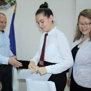 Наградиха ученици, представили Старозагорска област в Европейската олимпиада по статистика
