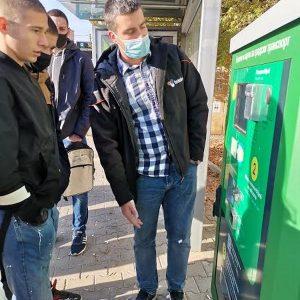 Старозагорски ученици се запознаха с автоматизираната система за таксуване в градския транспорт