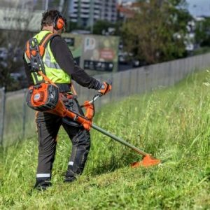 Стартира кампания по косене на тревни площи в Община Стара Загора