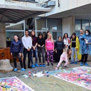 """Художниците на Тракийския университет """"изрисуваха"""" обучението си в центъра на Стара Загора"""
